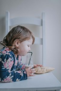 toddler drinking cows milk instead of breastfeeding