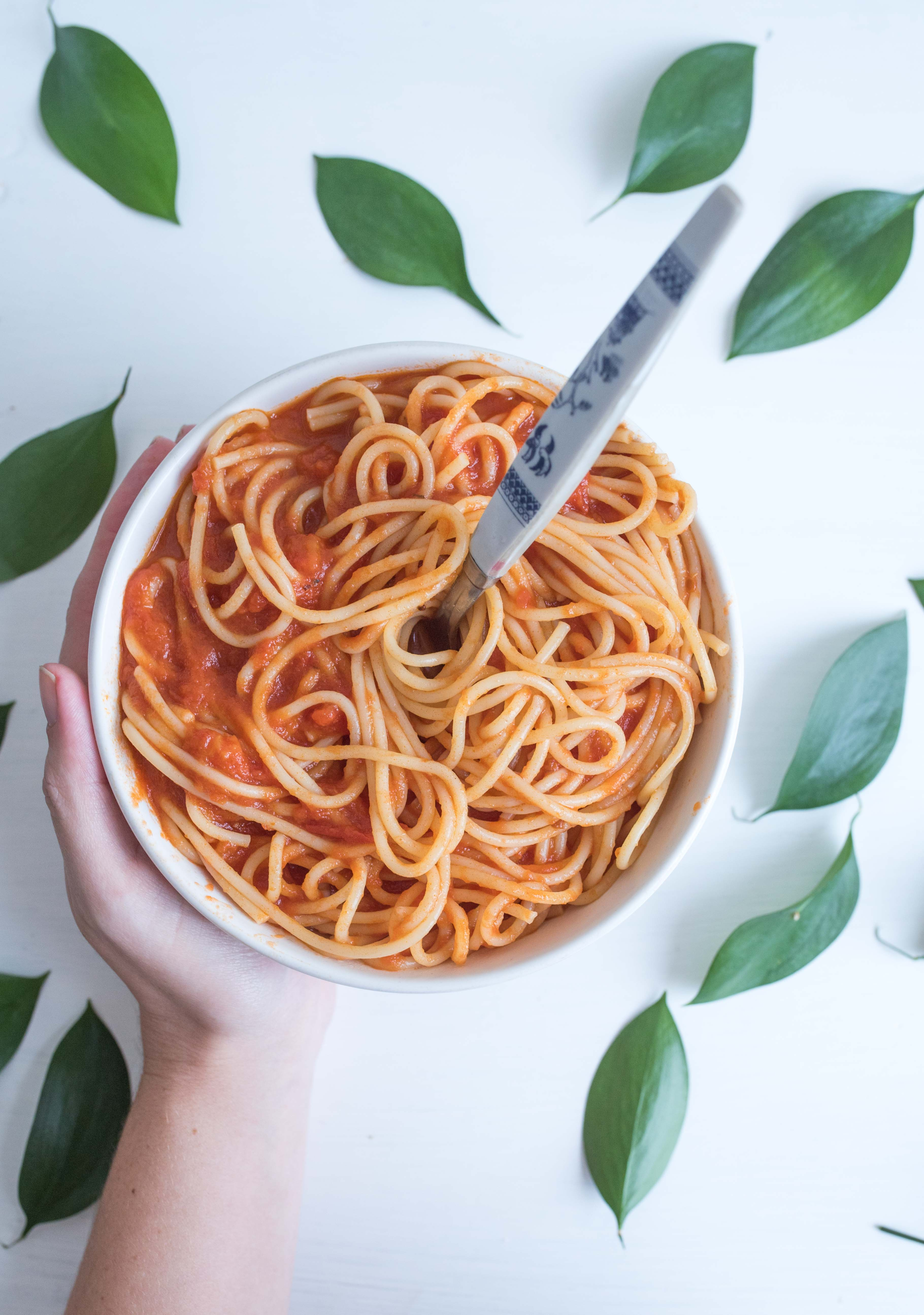 Simple Tomato And Garlic Spaghetti With Amy S Kitchen Ad